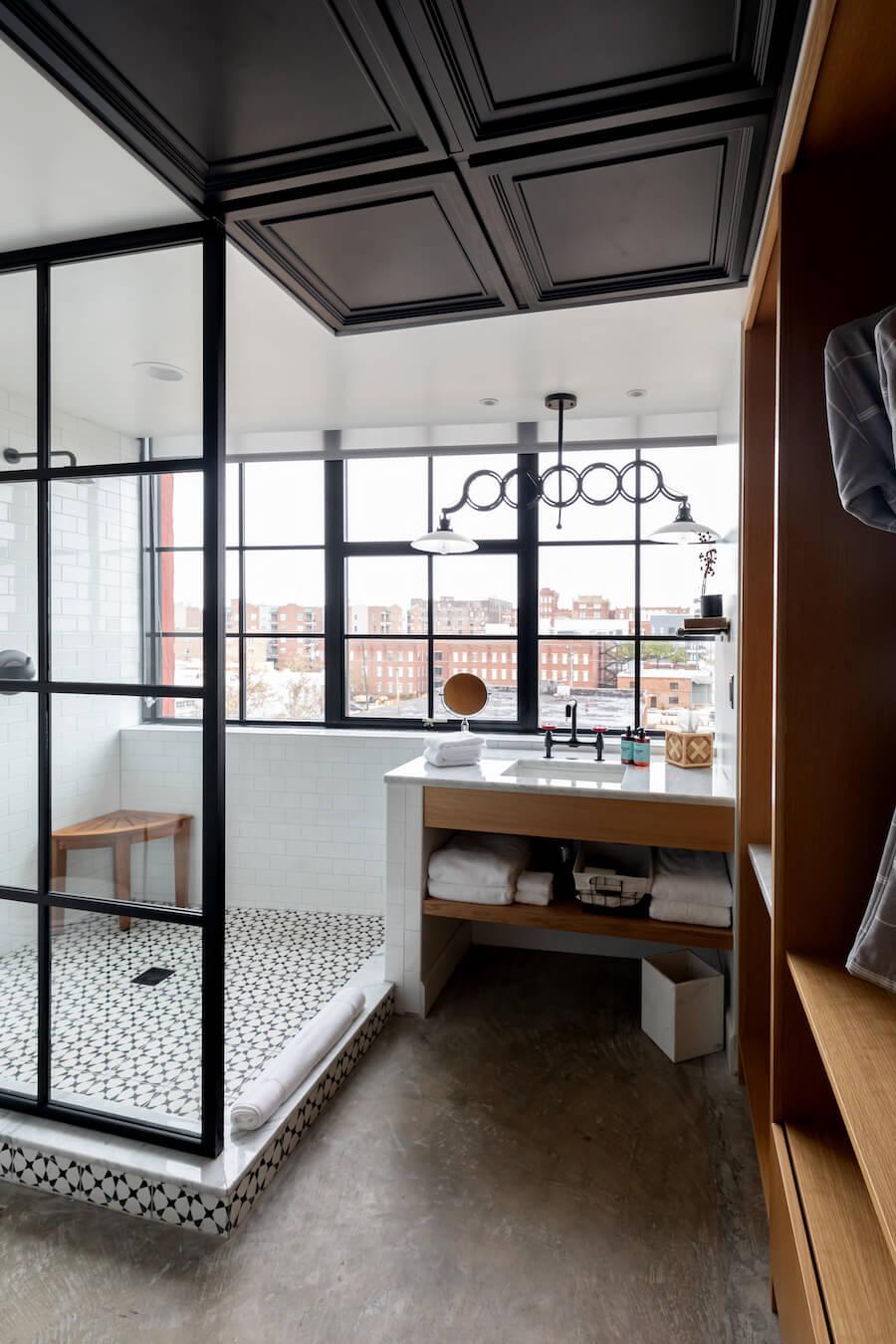 Bigger Studio Shower Vertical