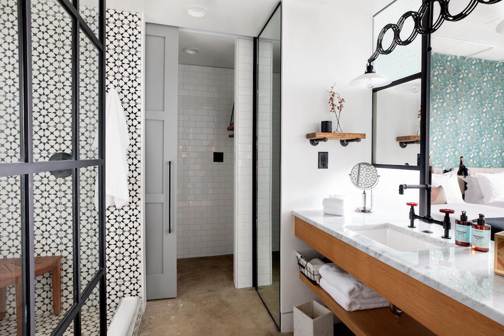 Double Washroom
