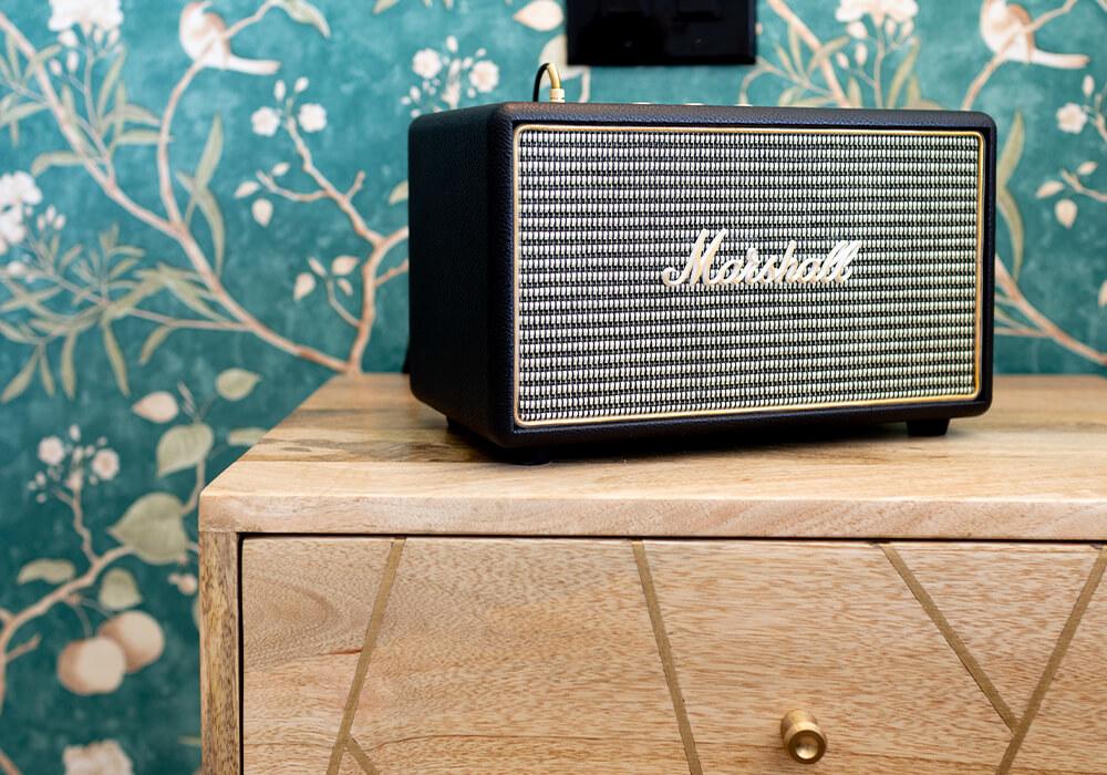 Marshall speaker close up_1000x700px